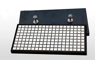 Керамический композитный резиновый вкладыш на стальной пластине